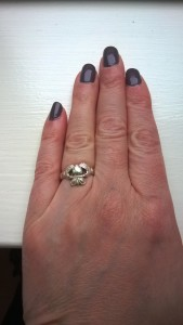 Claddagh ring, single